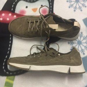 Nwot Clarks Trigenic Sneakers